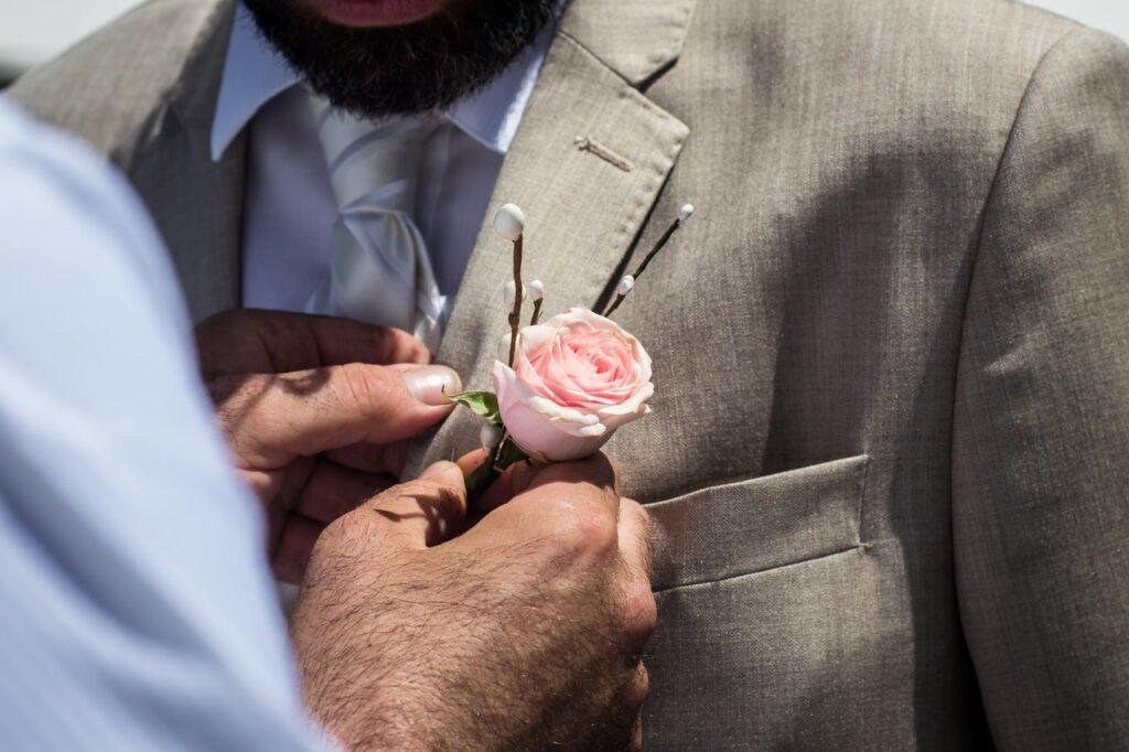 testimone di nozze cosa fa